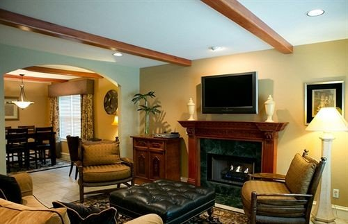 property living room Suite condominium home Fireplace cottage Villa leather flat