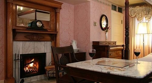 property Fireplace cottage hearth home living room farmhouse Villa