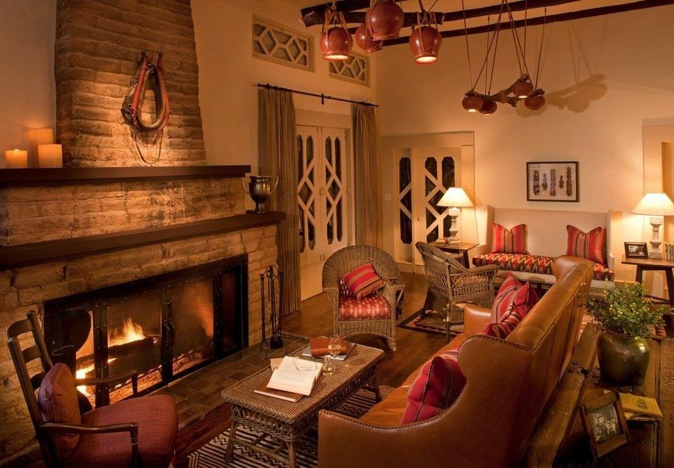 sofa property living room Fireplace home cottage mansion Villa