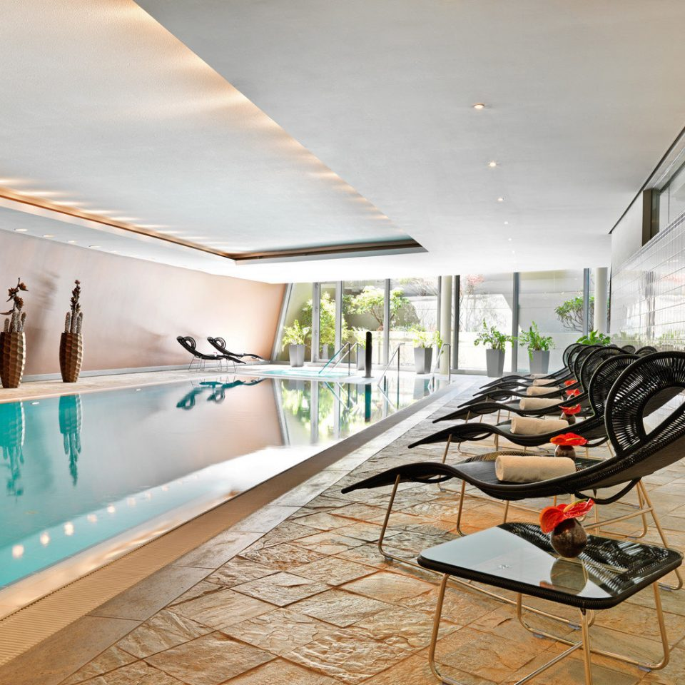 Fitness Modern Pool Wellness property swimming pool Lobby home condominium