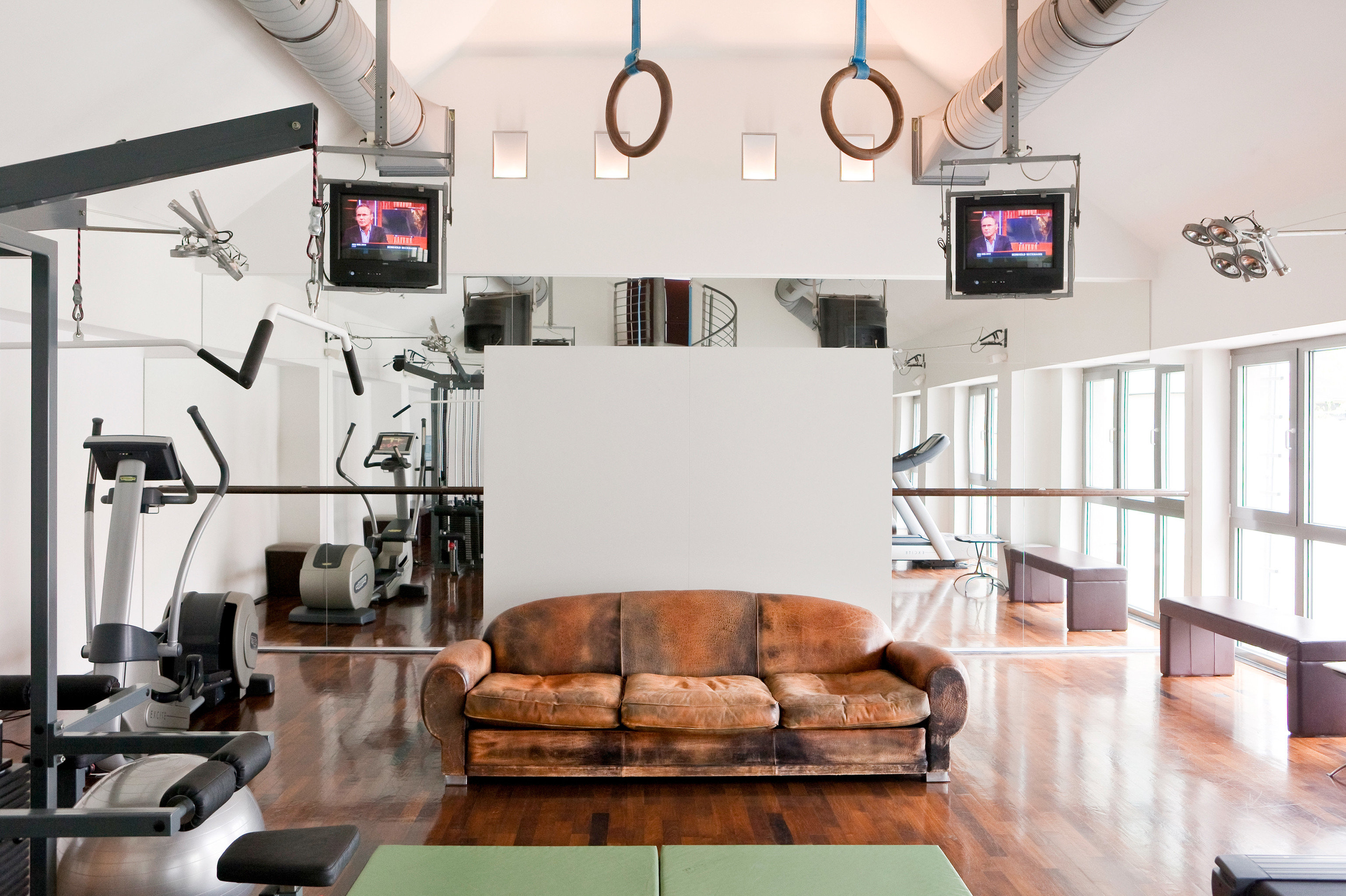 Fitness Modern Sport Wellness living room property home loft condominium