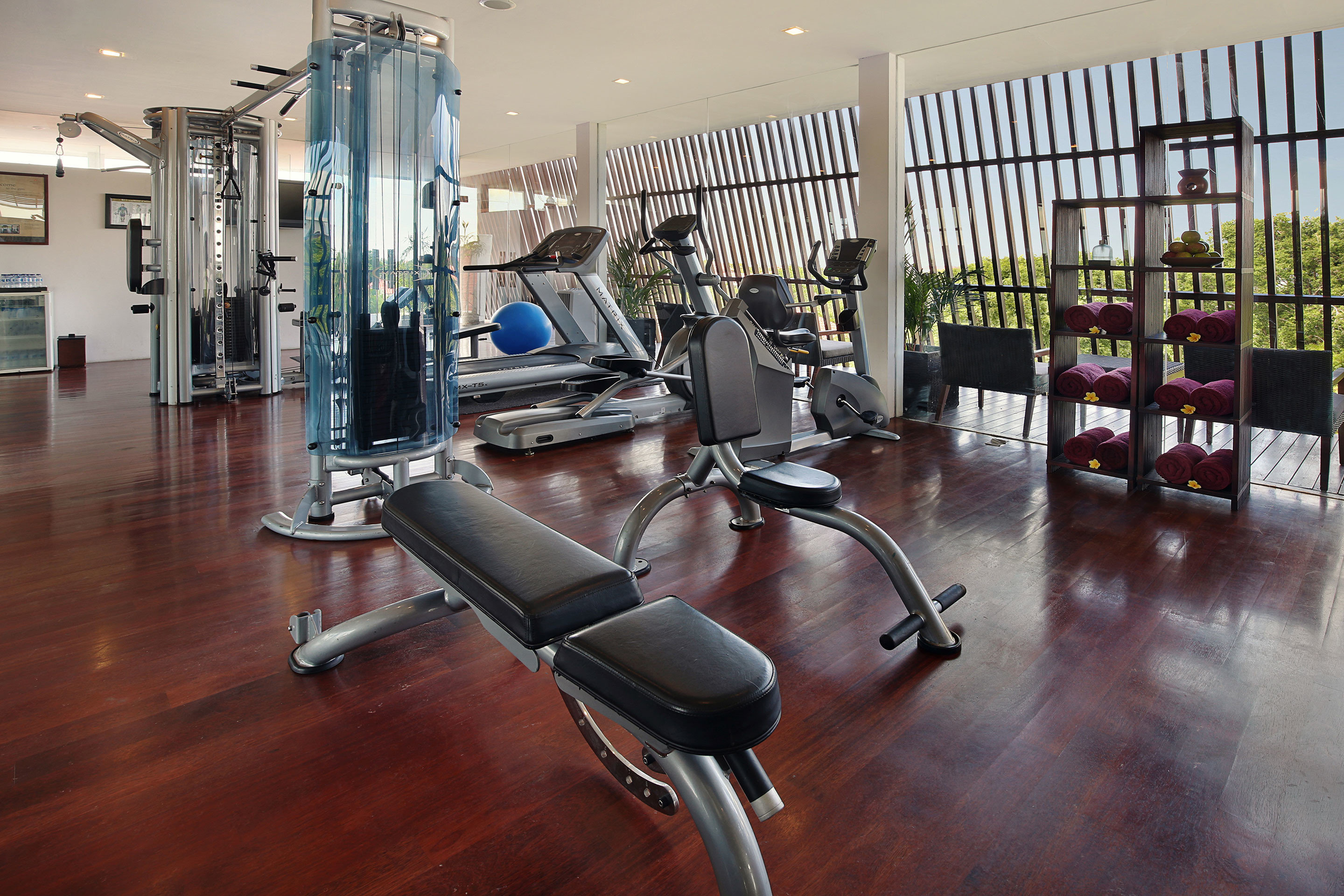 Fitness Scenic views Sport Wellness structure gym property sport venue condominium hard cluttered