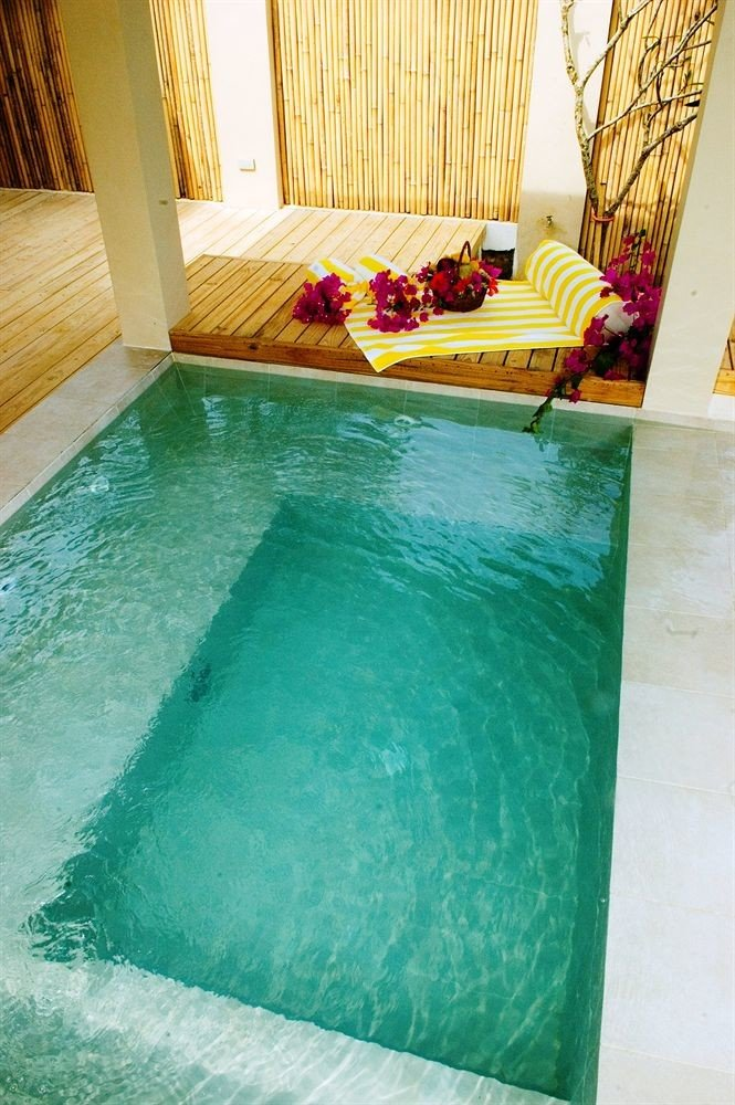 swimming pool green jacuzzi flooring
