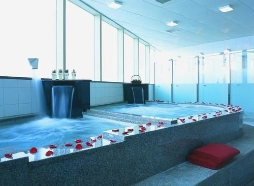 swimming pool leisure centre sport venue jacuzzi flooring