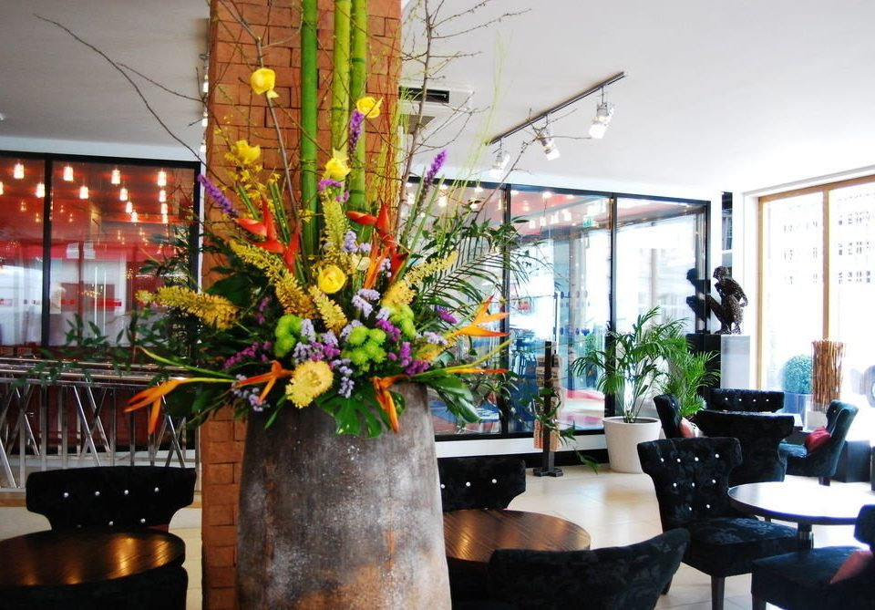 floristry flower arranging restaurant floral design flower