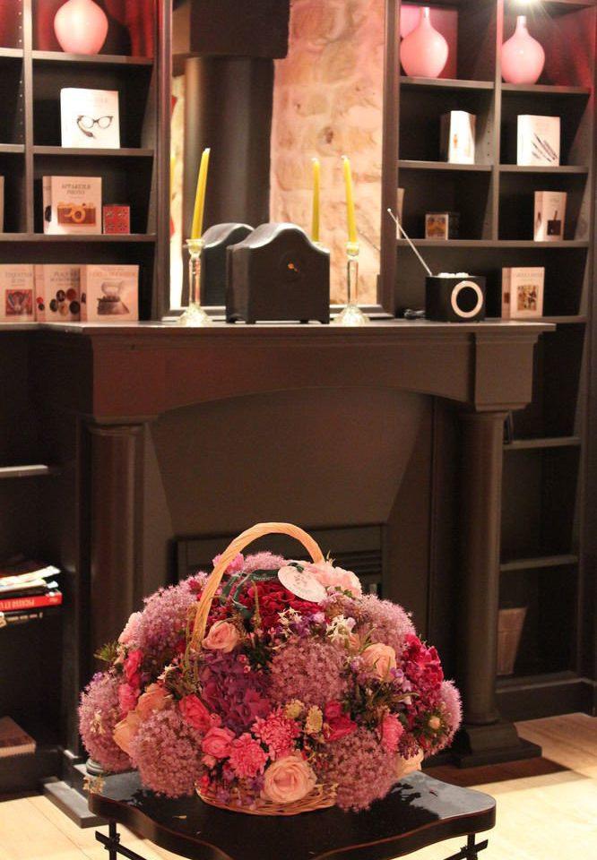 pink red shelf flower floristry retail living room