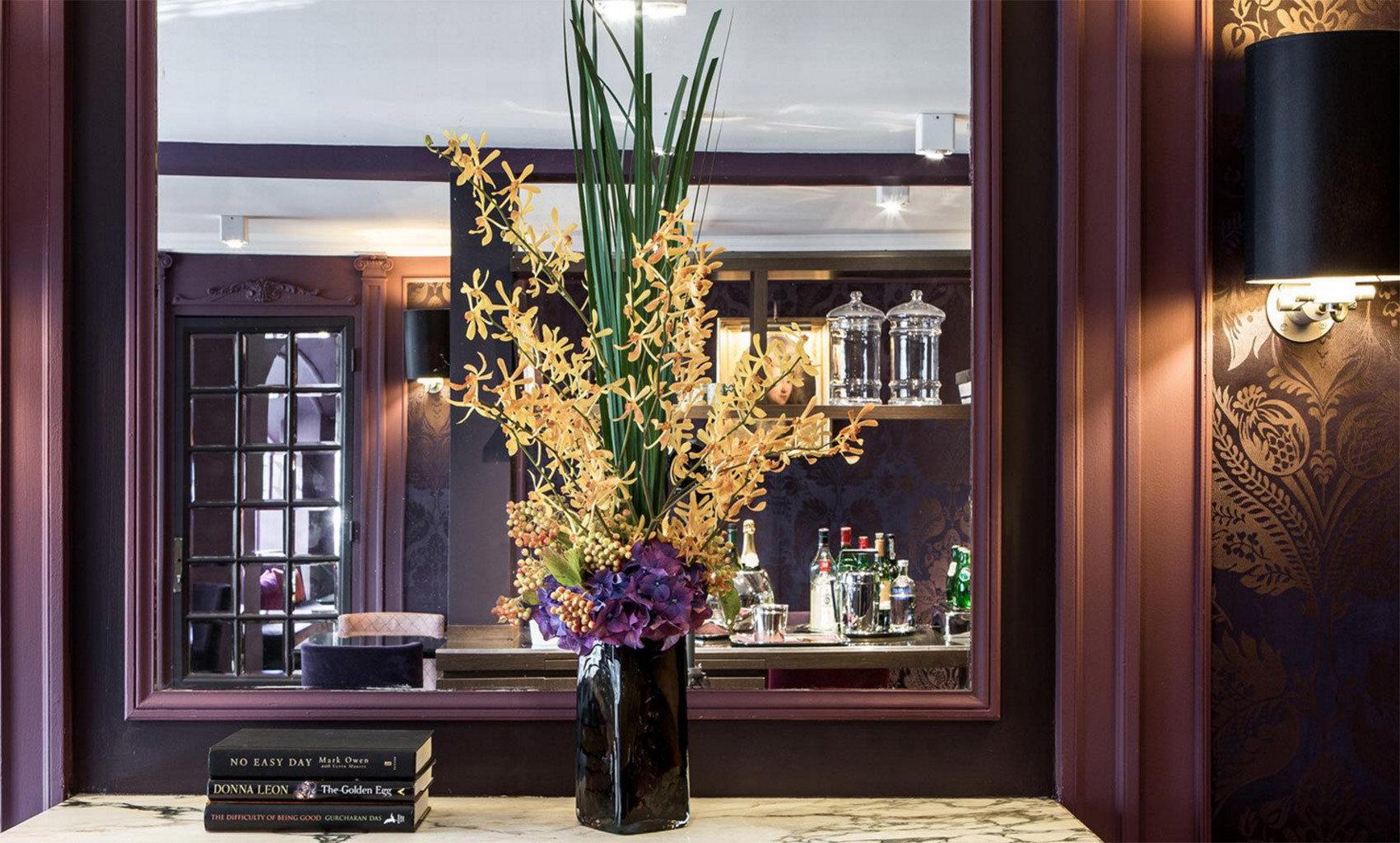 home living room floristry lighting