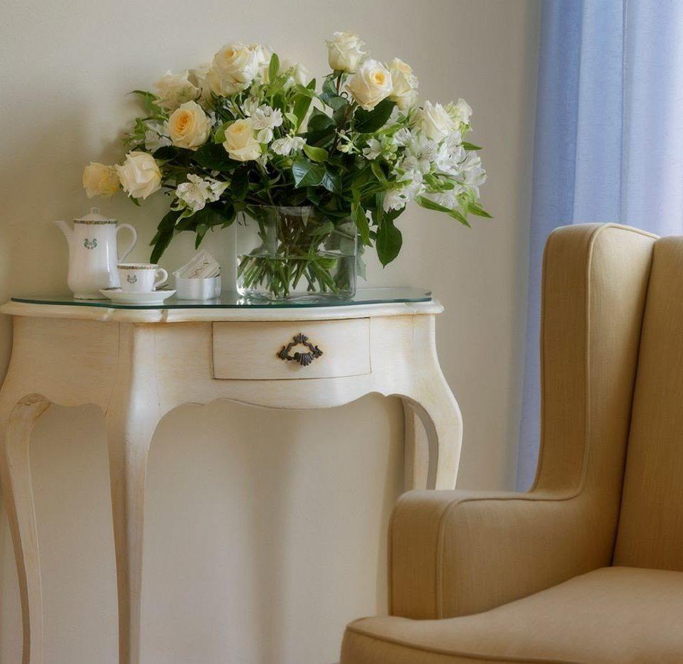 white living room flower