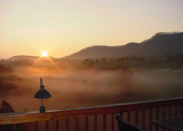 sky sunrise atmospheric phenomenon dawn morning Sunset evening dusk sunlight mist Fog distance