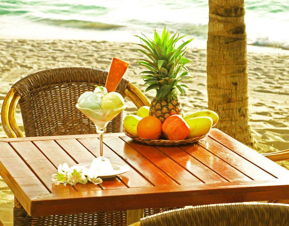 wooden restaurant food