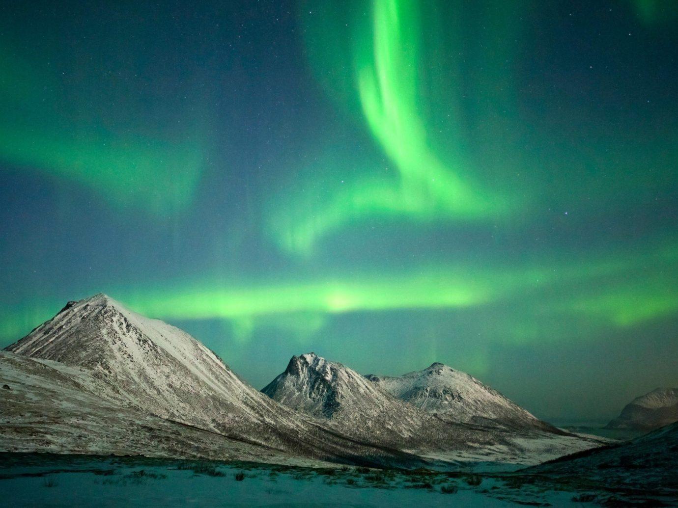 Style + Design aurora mountain outdoor atmosphere green