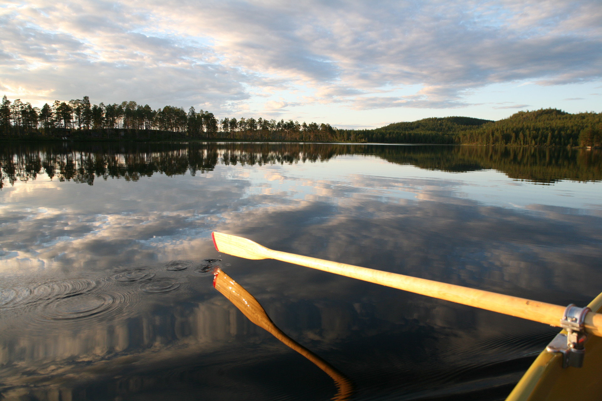 Boat boat ride Lake Nature reflection Trip Ideas water Water activities sky outdoor River morning cloud loch evening boating reservoir Sunset vehicle dusk sunlight sunrise paddle