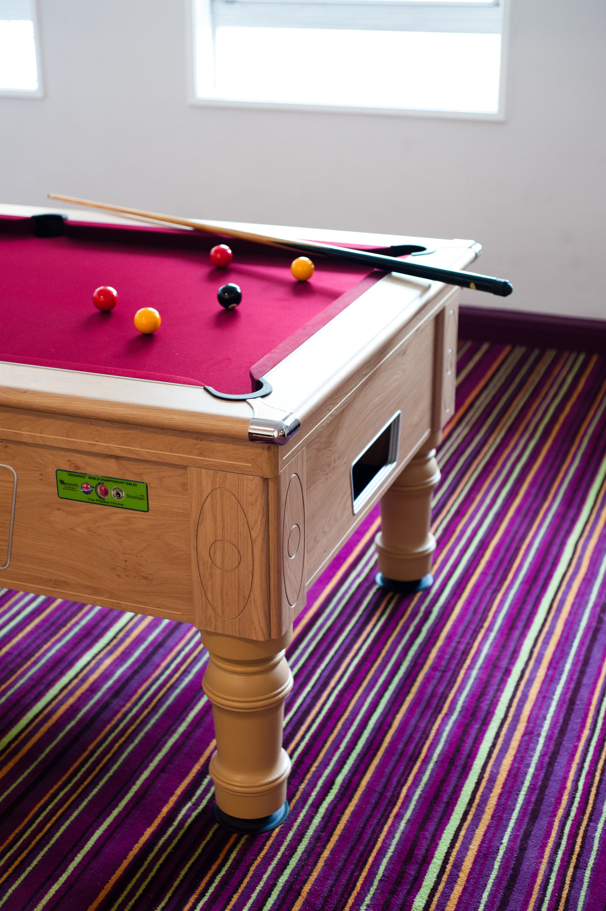 Budget pool table indoor floor Pool cue sports poolroom wall carom billiards billiard table table indoor games and sports recreation room games room snooker billiard room pool ball sports furniture english billiards hardwood Play recreation cue stick pocket billiards gambling house