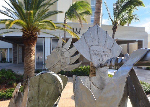 tree plant sculpture arecales art monument Garden palm