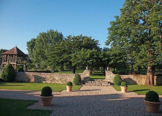 tree grass sky property park Garden lawn yard plant château botanical garden stone cement