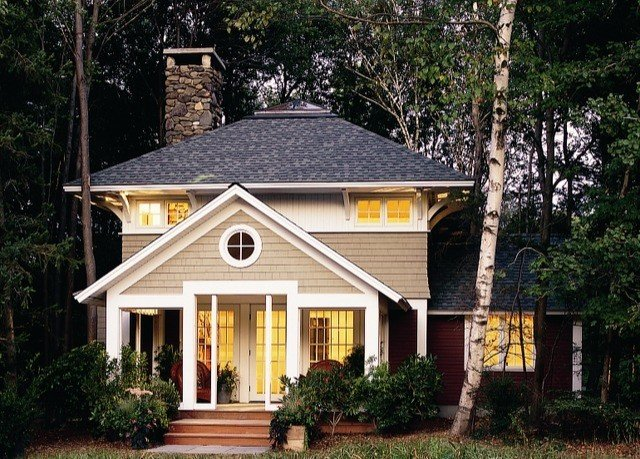 tree house building home property log cabin siding cottage residential area farmhouse outdoor structure roof Garden