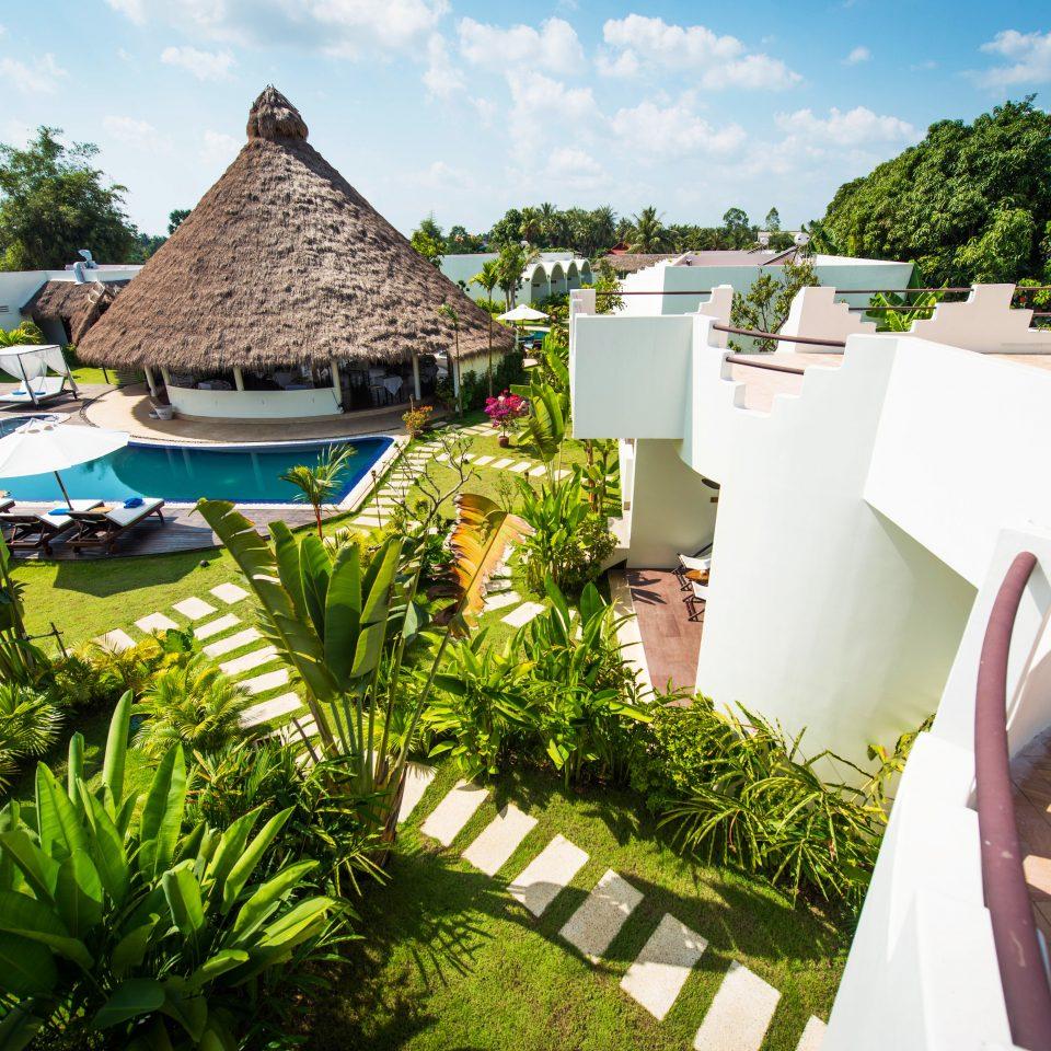 Grounds Luxury Outdoors Pool Resort tree leisure property plant Villa home Garden