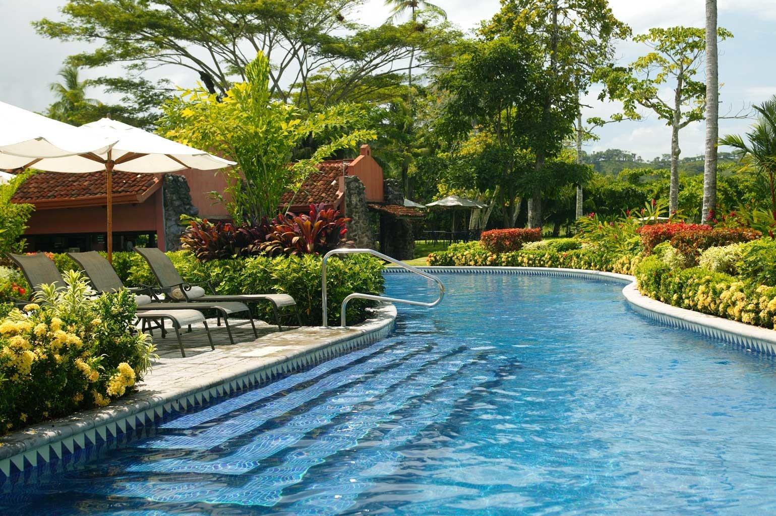 Grounds Modern Pool tree swimming pool property leisure Resort backyard Villa Garden surrounded