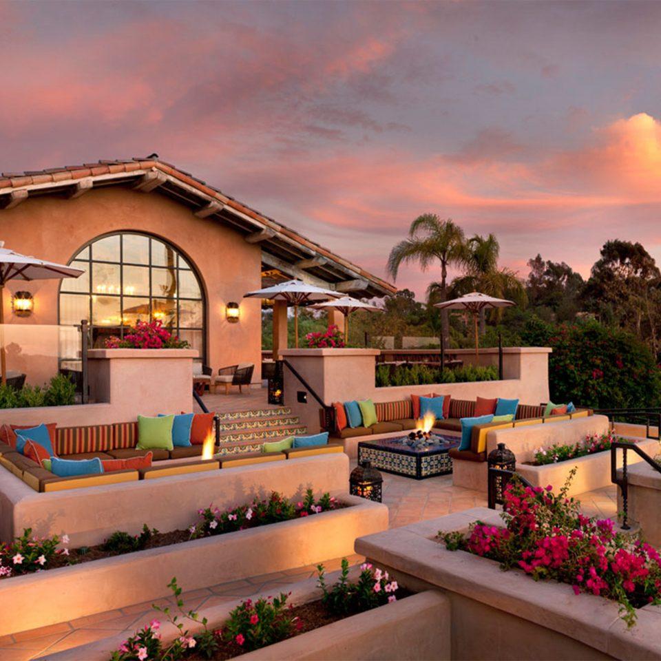 Hip Lounge Luxury sky building flower Resort home plant restaurant Garden