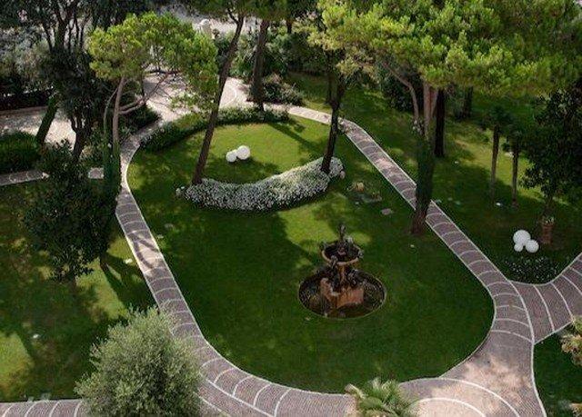 tree grass pond backyard mansion Garden landscape architect screenshot Jungle yard