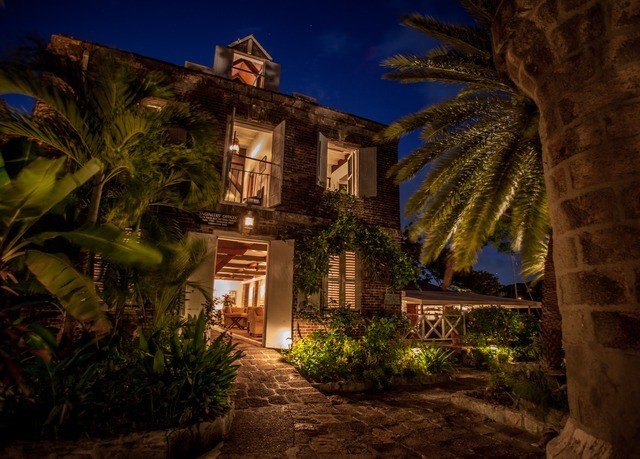 tree house night Resort landscape lighting mansion plant arecales home palm Jungle hacienda screenshot Village Villa stone bushes Garden