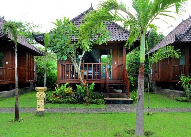 grass Resort house property home arecales plant lawn eco hotel hacienda Villa cottage backyard Jungle Garden residential