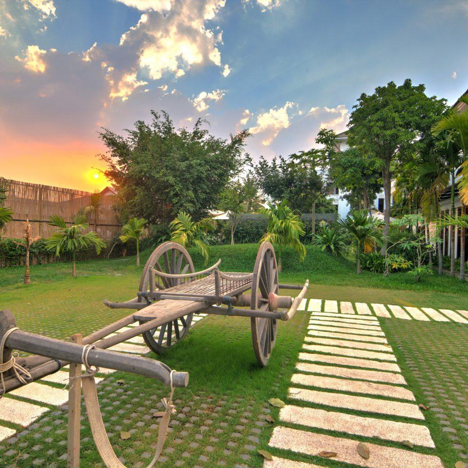 grass tree sky leisure residential area Resort park backyard Garden Playground mansion day