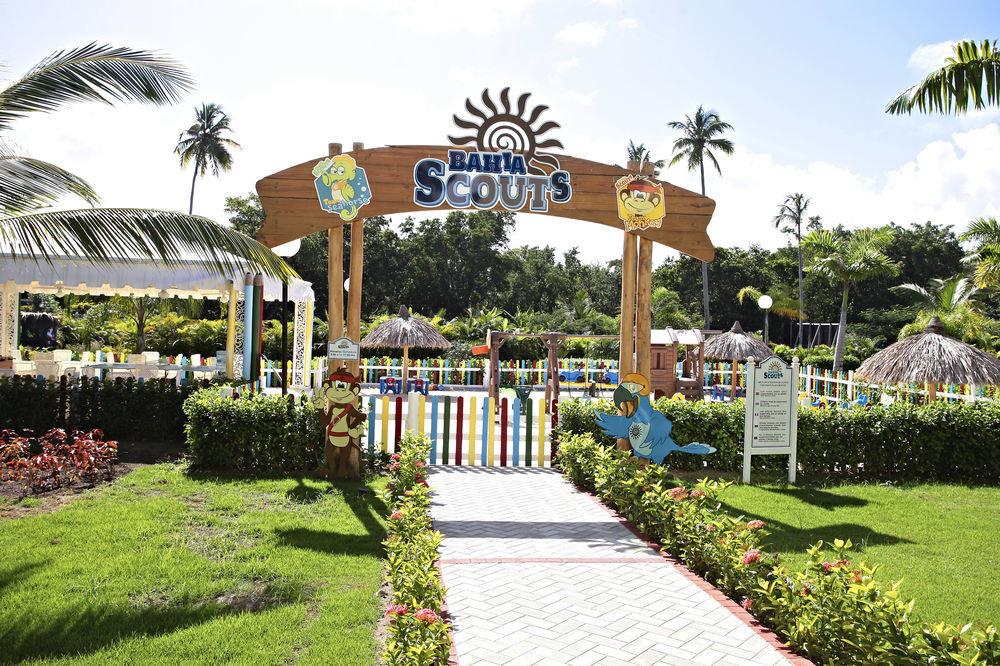 grass sky tree leisure Resort walkway plant park botanical garden Garden sign