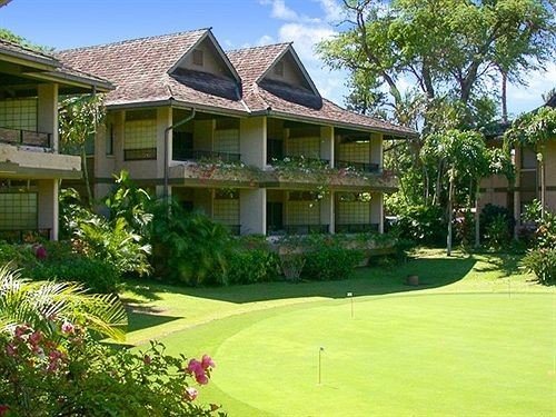 tree grass building house property structure Resort home Sport lawn golf club residential area mansion Garden
