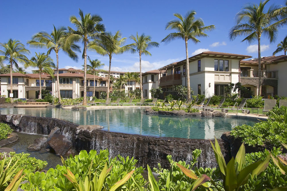 building tree sky plant house property Resort swimming pool condominium home arecales Villa mansion Garden palm