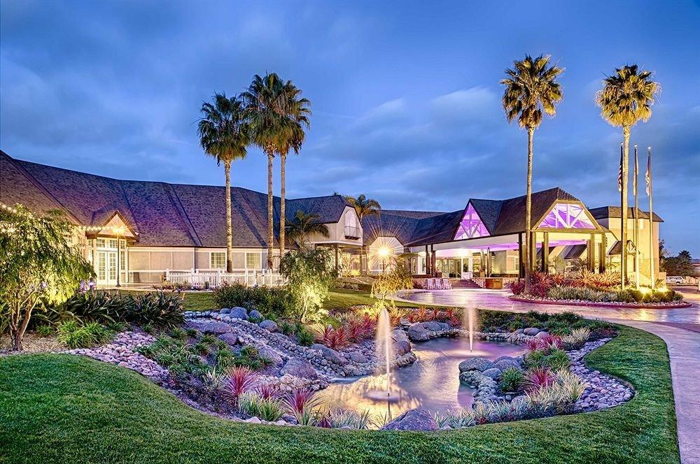 sky grass property Resort swimming pool mansion home Villa landscape backyard lawn plant Garden