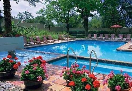 tree swimming pool flower property Resort Garden Villa backyard plant colorful colonnade