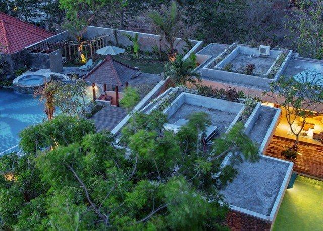 tree property swimming pool ecosystem backyard Resort yard Garden pond home Villa cottage landscape architect