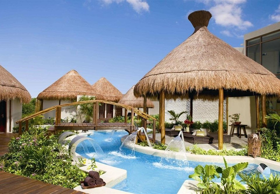 sky building Resort property swimming pool leisure Villa home yurt cottage lawn eco hotel Garden