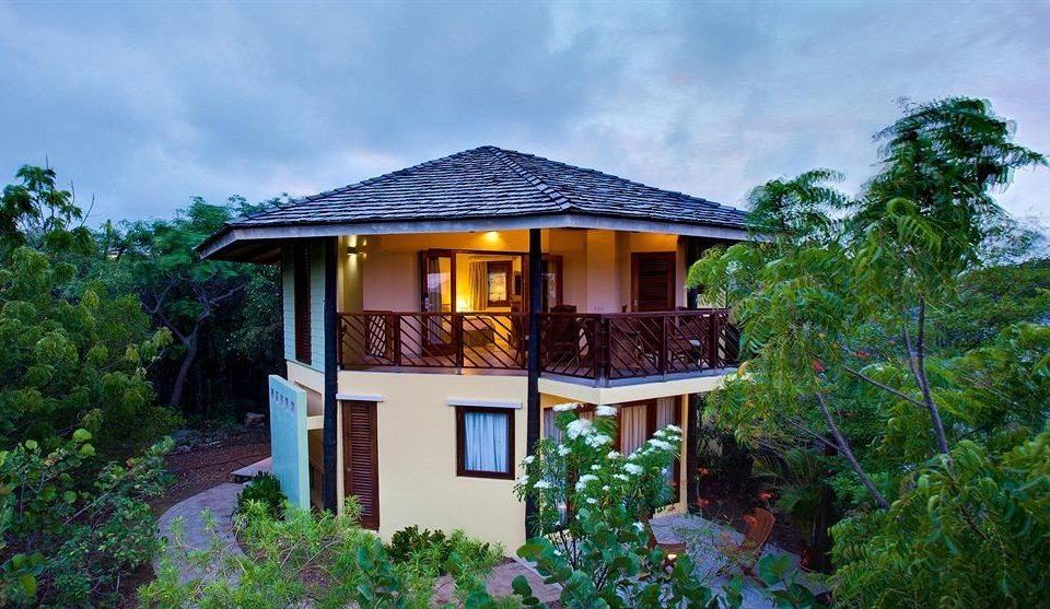 tree sky house building property home Resort cottage Villa hut log cabin mansion Garden bushes