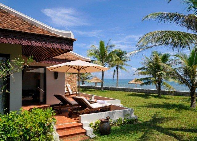 tree grass sky property Resort Villa home caribbean eco hotel cottage hacienda condominium lawn Garden