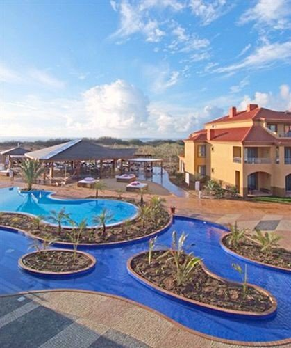 sky swimming pool property Resort condominium resort town mansion Villa set Garden