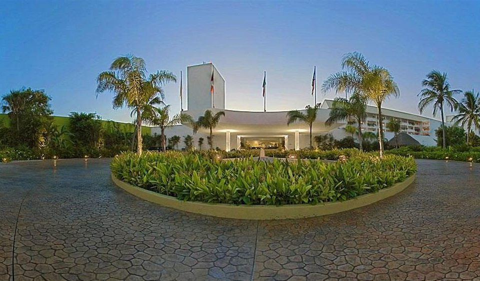 sky tree property Resort palm residential area home condominium Villa hacienda mansion swimming pool Garden
