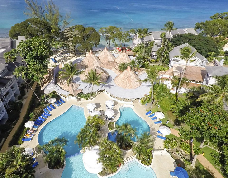 tree leisure property Resort Water park amusement park valley park outdoor recreation resort town aerial photography mansion canyon recreation bird's eye view swimming pool plant Garden