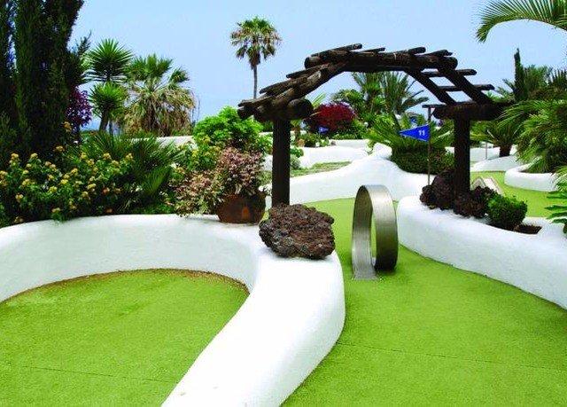 grass tree sky property lawn swimming pool backyard Garden landscape architect Villa yard landscaping