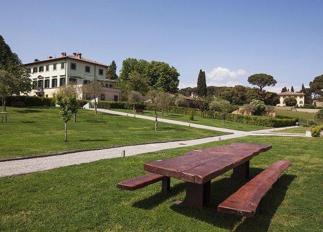 grass sky park property grassy lawn backyard home yard Garden Villa outdoor structure lush