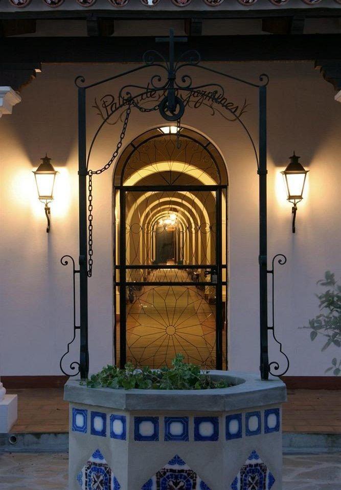 lighting shrine glass
