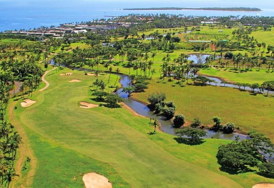 grass structure Nature ecosystem grassy field aerial photography sport venue golf course grassland plain hill golf club green outdoor recreation Golf bird's eye view residential area recreation sports lush hillside highland
