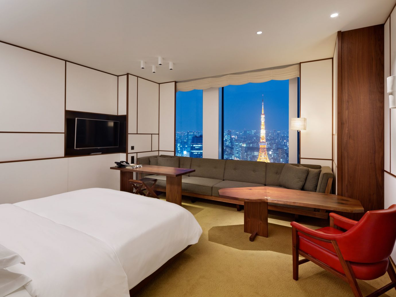 Bedroom City Hotels Japan Luxury Modern Scenic views Suite Tokyo indoor bed wall room floor ceiling hotel property window estate real estate interior design living room cottage condominium apartment flat furniture