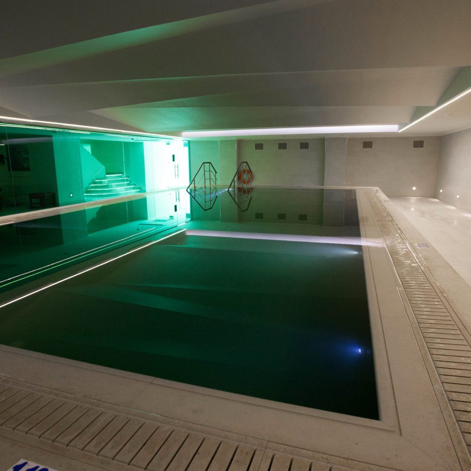 green structure swimming pool leisure centre sport venue lighting recreation room screenshot
