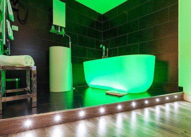 green light lighting