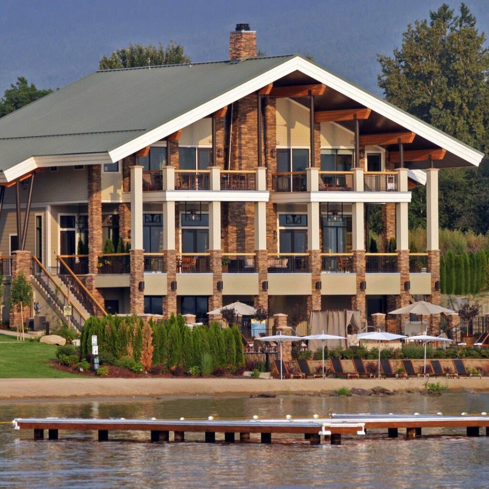 Grounds Lake Outdoor Activities Resort Waterfront building tree house home residential area boathouse Town cottage residential Island