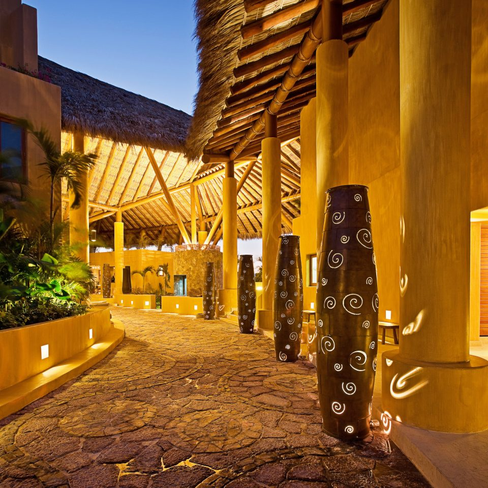 Grounds Island Luxury Romance Romantic night evening Resort restaurant