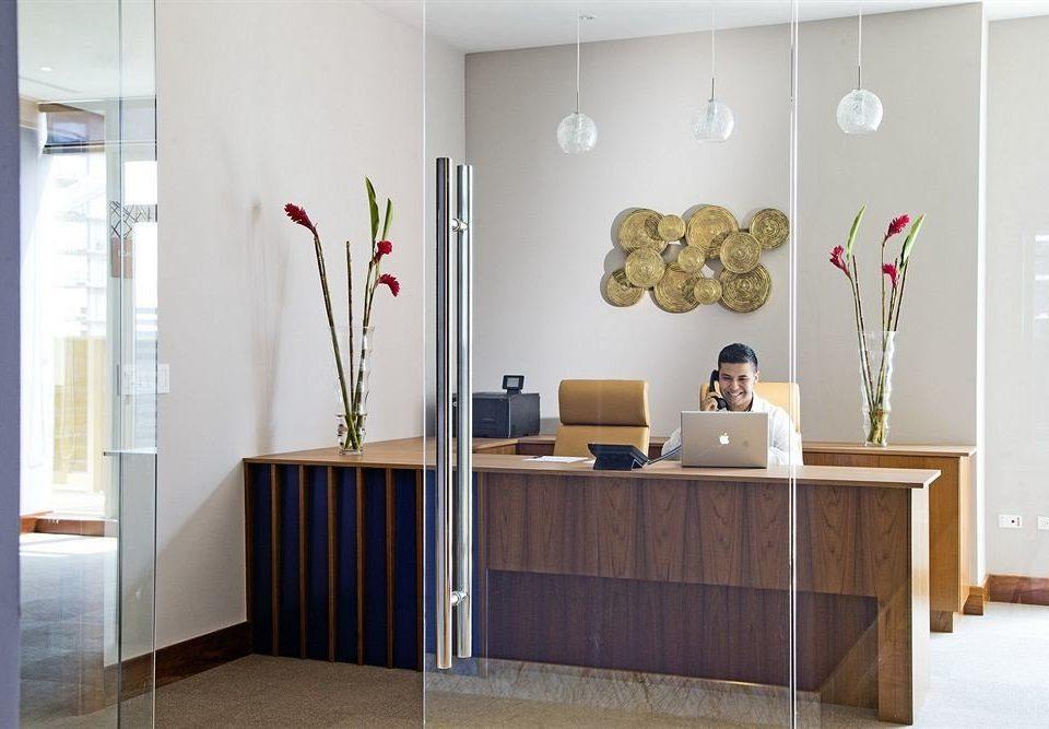 receptionist hall