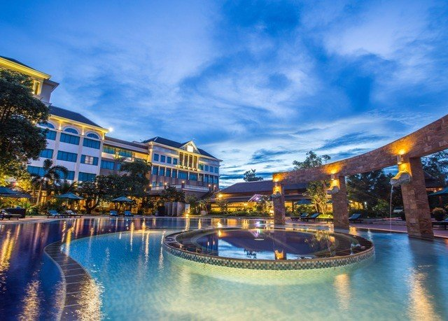 water sky Harbor scene swimming pool leisure Resort resort town palace plaza Water park amusement park blue colorful colored
